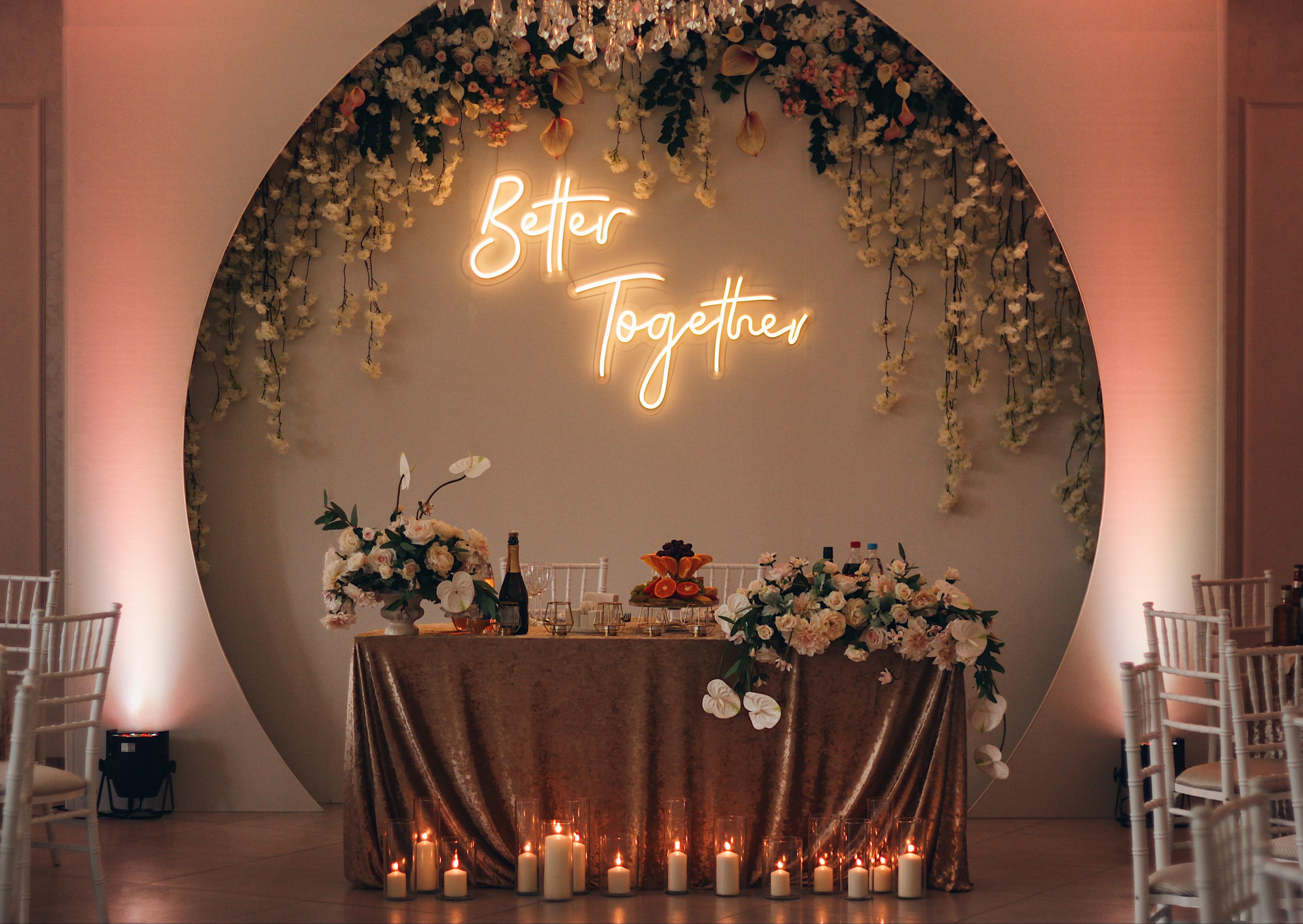 розовая свадьба цвета фуксии выездная регистрация церемония Могилев печерское предместье свадебное агентство ЛавМи Могилев декор шатра украшение свадьбы банкета