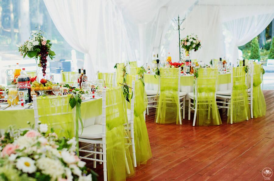 декор шатра итальянская зеленая салатовая свадьба выездная регистрация церемония роспись в шатре у куркуля могилев свадебное агентство ЛавМи декор украшение шатра организация