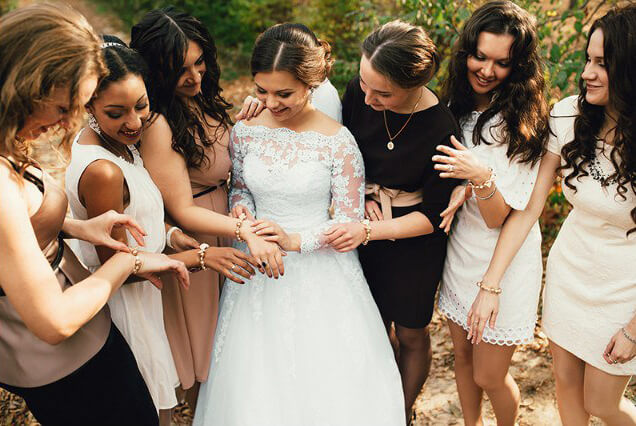 подружки невесты светлая бежевая свадьбы выездная регистрация роспись церемония могилев валебана свадебное агентство ЛавМи декор банкетного зала ресторана флористика