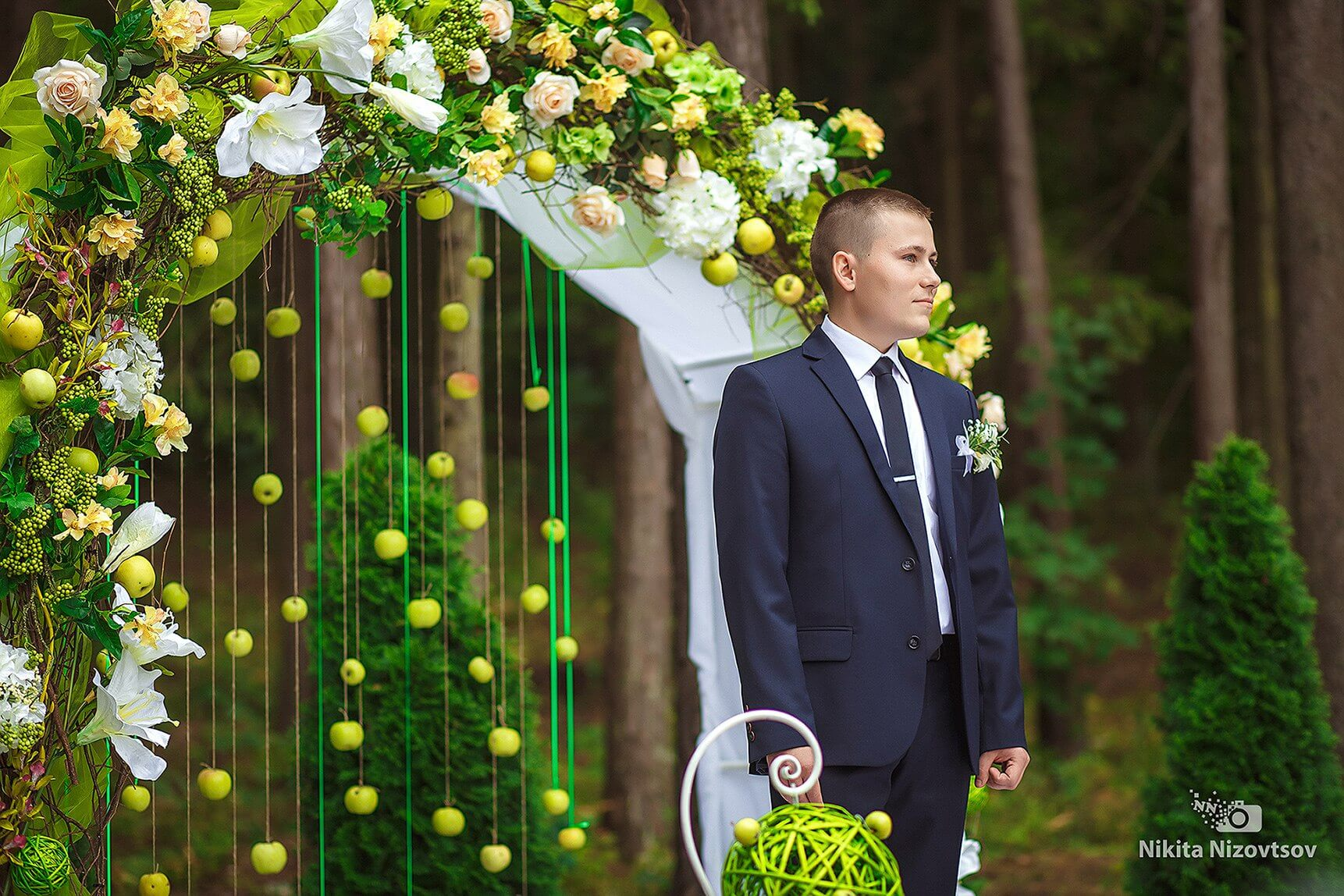 арка яблочная зеленая салатовая свадьба Могилев выездная регистрация роспись церемония в шатре у куркуля могилев свадебное агентство ЛавМи организация свадьбы декор банкета ресторана шатра